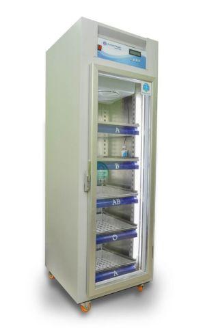 ثلاجة بنك دم /محلول  كابينة ايطالي ستانلس ستيل غير قابل للصدأ - السعة 540 لتر . وحدة تحكم للبرمجة Control  system ضمان لمدة عامين